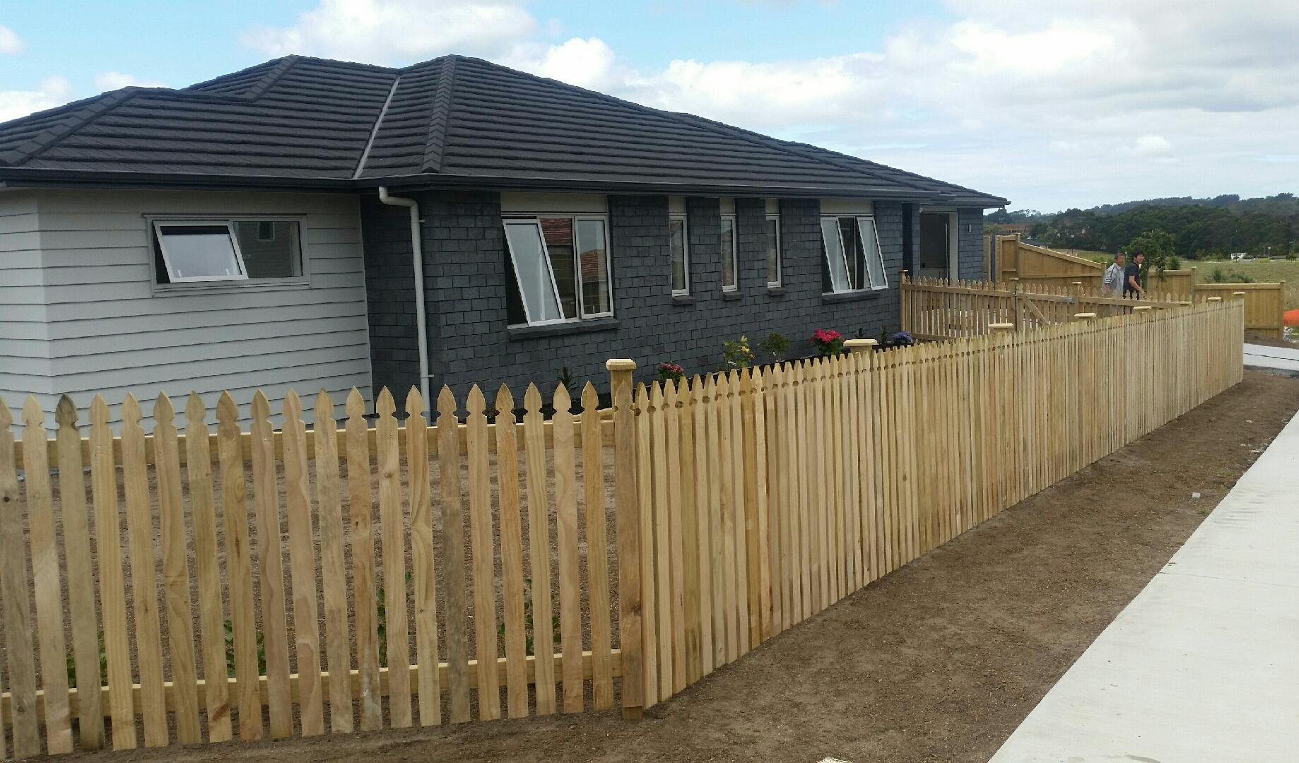 1 2 Picket Dressed Fence Gallery M Amp M Fencing Nz Ltd