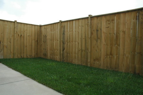 1.8 High Straight Top Panel Fence